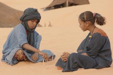 *** FILM STILL DO NOT PURGE *** TIMBUKTU - 2015 FILM STILL - Toulou Kiki, Ibrahim Ahmed aka Pino, Layla Walet Mohamed © 2014 Les Films du Worso - Dune Vision