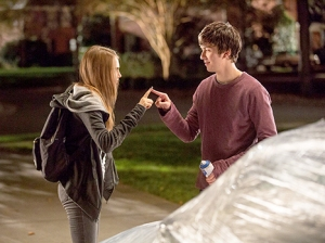 Cara-Delevingne-Nat-Wolff-Paper-Towns-467
