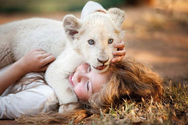 mia-et-le-lion-blanc-476038l