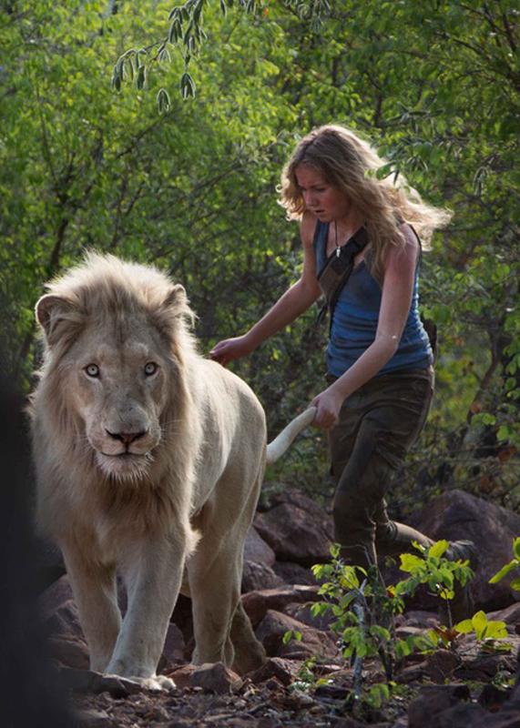 mia-et-le-lion-blanc-874979l