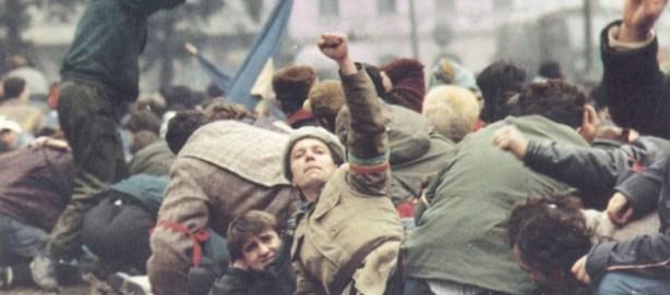 Videograme-dintr-o-revolutie-foto.jpg